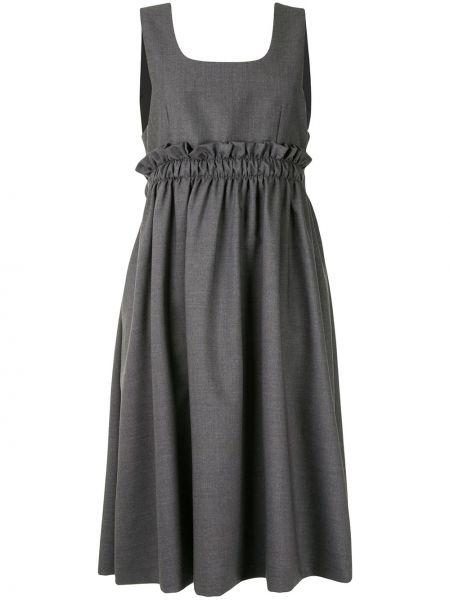 Прямое платье миди с оборками без рукавов с вырезом Comme Des Garçons Noir Kei Ninomiya