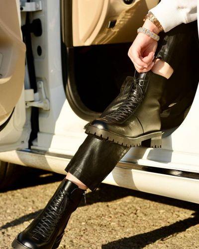 Ботинки - черные Loretta