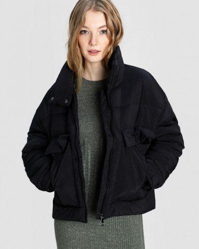 Теплая черная куртка O'stin