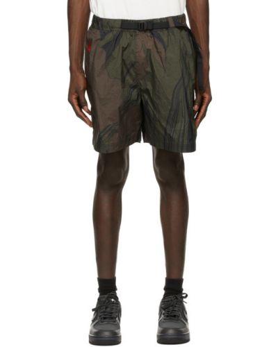 Czarne szorty cargo z haftem z paskiem Nike Acg