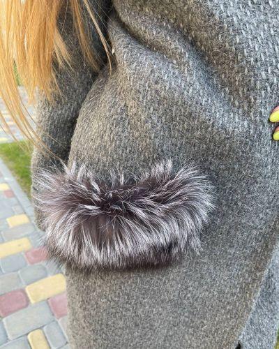 Пальто букле - серое Albanto