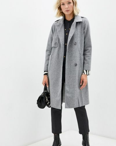 Серое зимнее пальто Goldrai