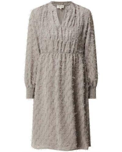 Sukienka rozkloszowana z frędzlami Levete Room