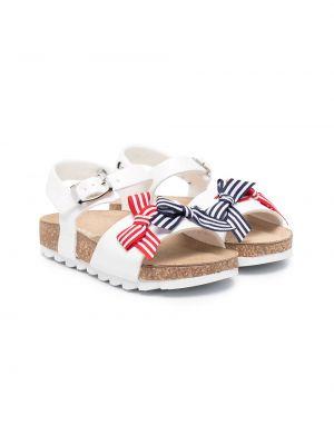 Белые сандалии на плоской подошве с пряжкой Monnalisa