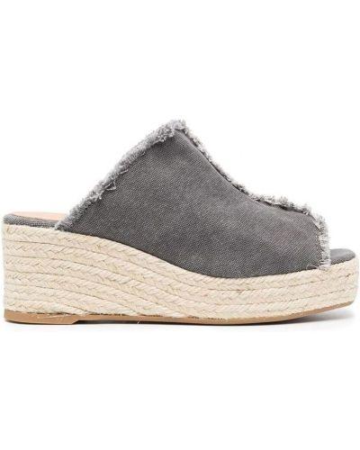 Beżowe sandały Castaner