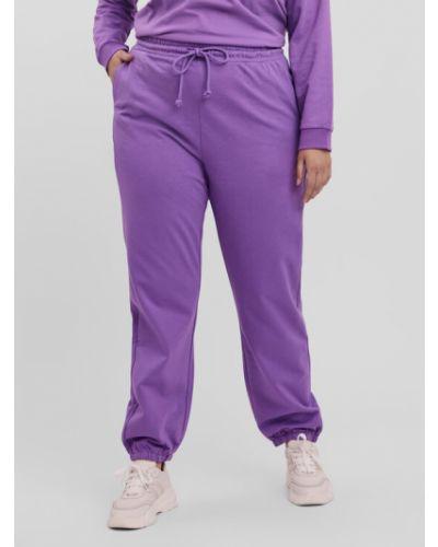 Fioletowe spodnie dresowe Vero Moda Curve
