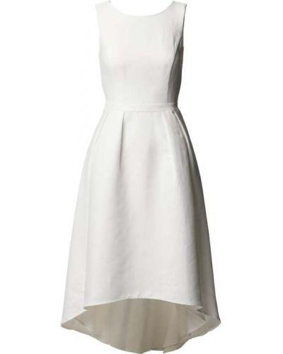 Biała sukienka z dekoltem w serek Apart Glamour