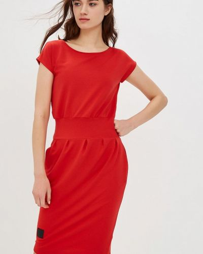 Платье красный польское Numinou