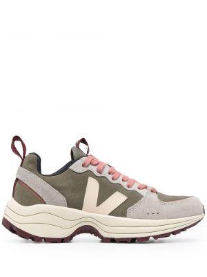 Серые массивные кроссовки на шнуровке Veja