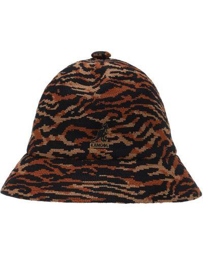 Мягкая оранжевая шапка с вышивкой Kangol