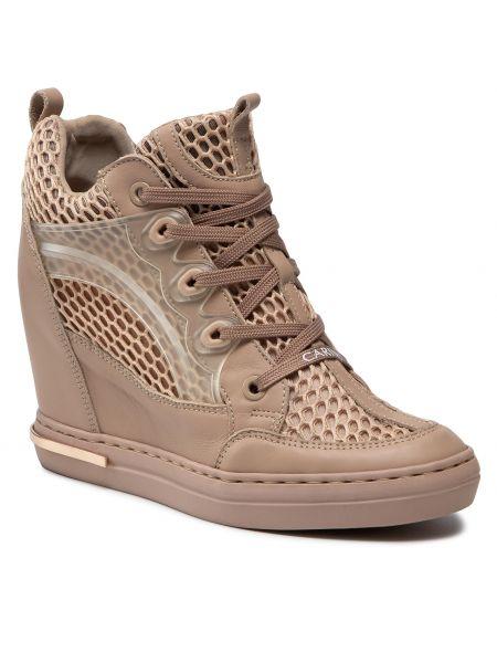 Sneakersy na koturnie skorzane - różowe Carinii