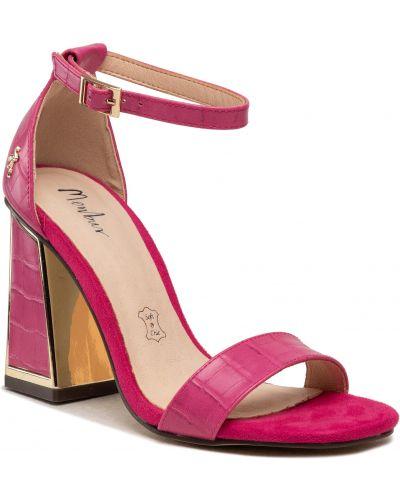 Różowe sandały casual Menbur