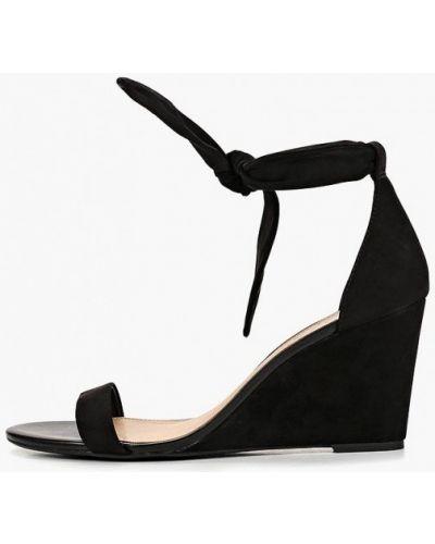 Босоножки на каблуке черные Arezzo