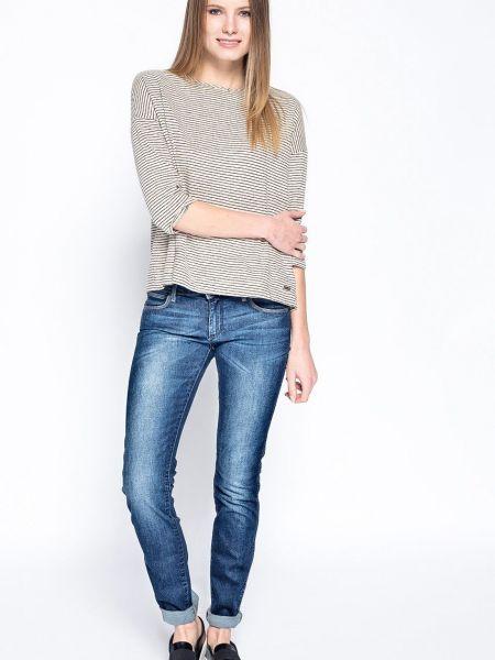 Потертые джинсы Wrangler