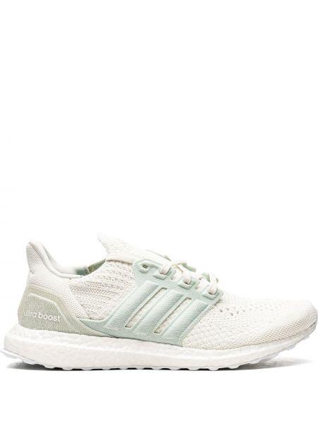 Белые кроссовки с нашивками Adidas