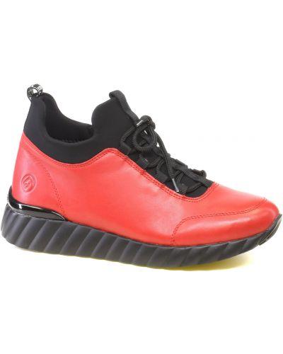 Красные спортивные кроссовки Remonte