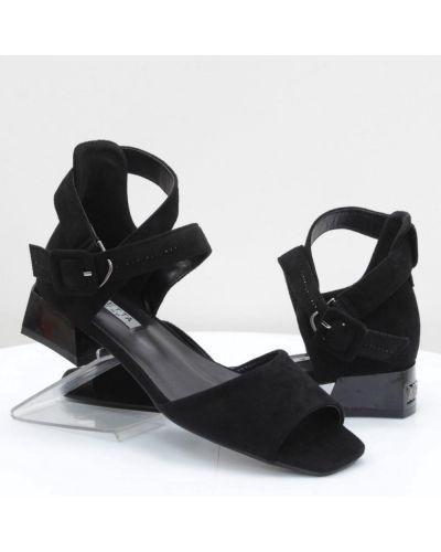 Кожаные босоножки - черные Loretta