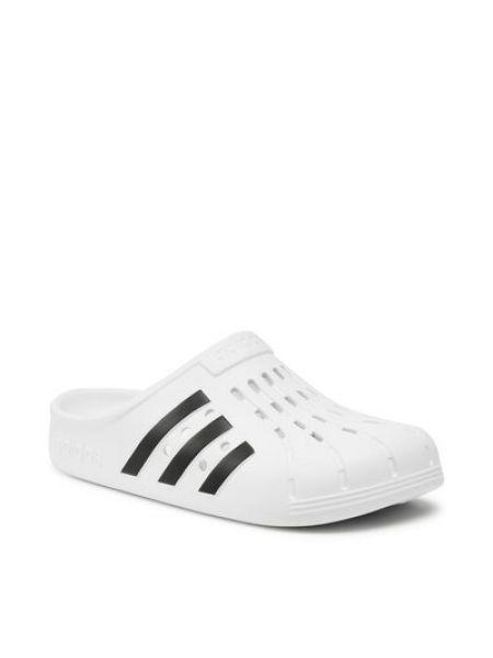 Białe chodaki Adidas