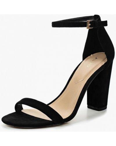 Босоножки на каблуке велюровые Aldo