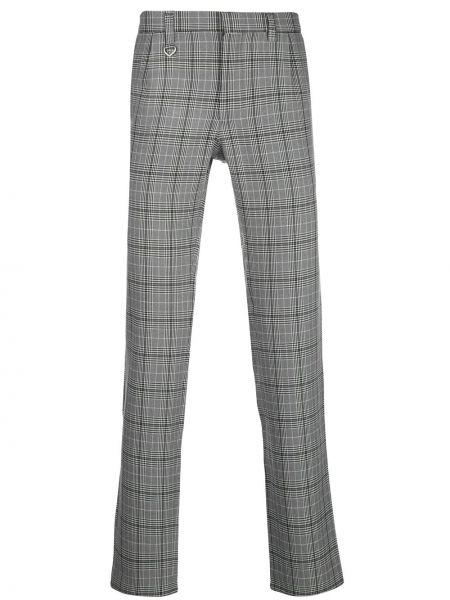 С орнаментом серые брюки с поясом с пряжкой Sophnet.