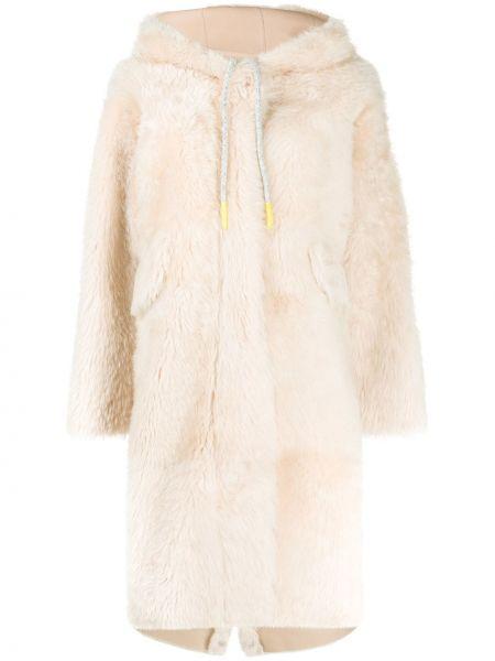 Пальто с капюшоном оверсайз айвори на молнии из овчины Liska