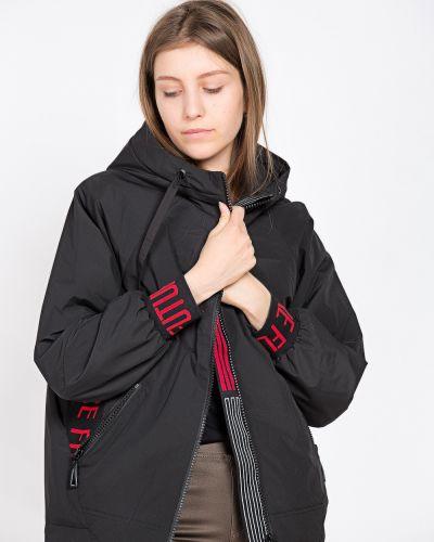 Черная куртка T.ycamille