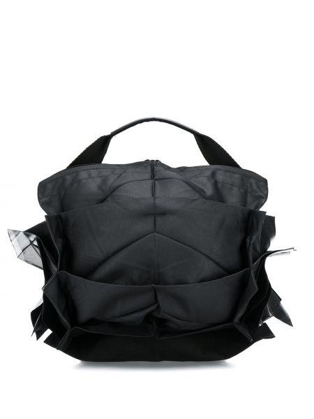 Czarna torebka z falbanami 132 5. Issey Miyake