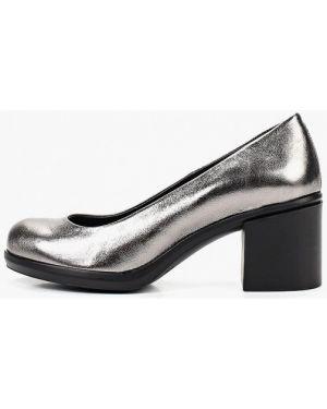 Туфли на каблуке кожаные серебряный Pierre Cardin