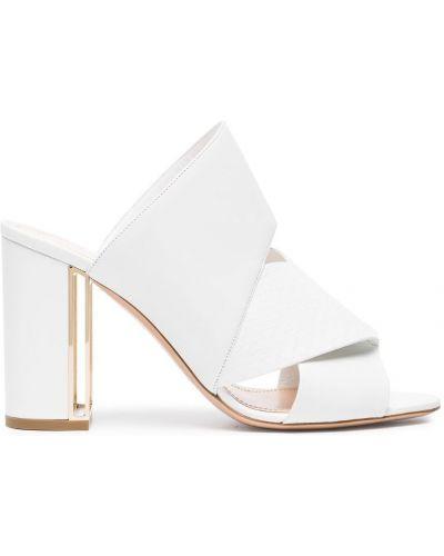 Белые сандалии Nicholas Kirkwood