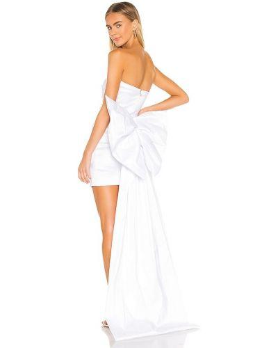 Белое платье с декольте со шлейфом Nookie