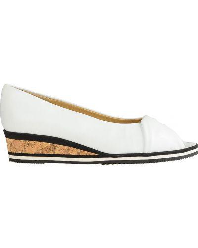 Туфли на танкетке кожаные на каблуке Brunate
