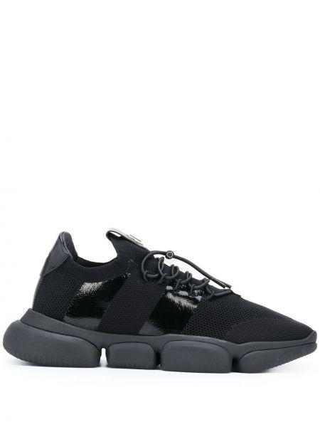 Кожаные черные кроссовки на шнурках Moncler