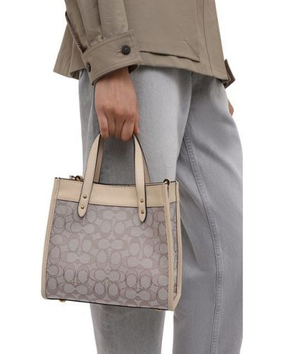Бежевая кожаная сумка Coach