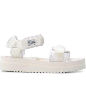 Sandały na platformie - białe Suicoke