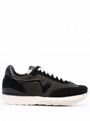 Czarne sneakersy koronkowe Visvim