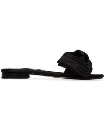 Черные шлепанцы на каблуке Newbark