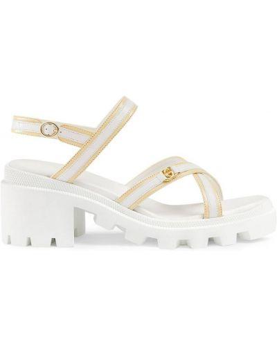 Beżowe sandały skorzane na obcasie Gucci