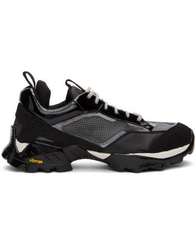 Кожаные черные кроссовки сетчатые на каблуке Roa
