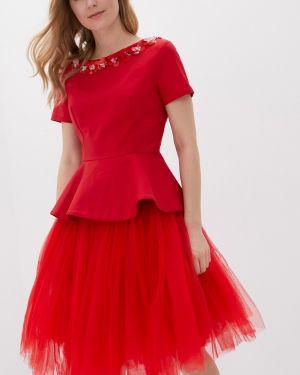 Юбочный костюм красный Nothing But Love