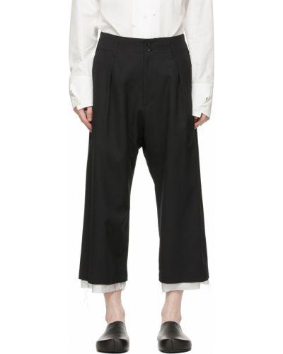 Satynowe białe spodnie z paskiem Sulvam