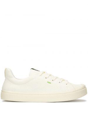 Białe sneakersy sznurowane koronkowe Cariuma