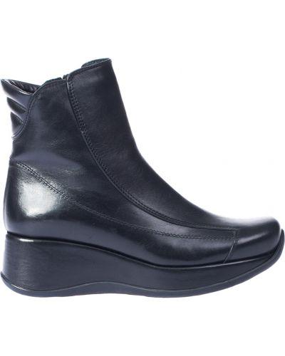 Ботинки на каблуке осенние кожаные Kelton