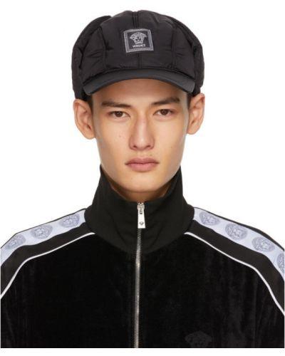 Ciepła czarna czapka z nylonu Versace