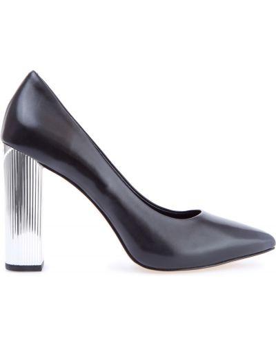 Туфли-лодочки кожаные на каблуке Michael Michael Kors