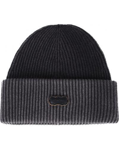 Czarna czapka Agnona