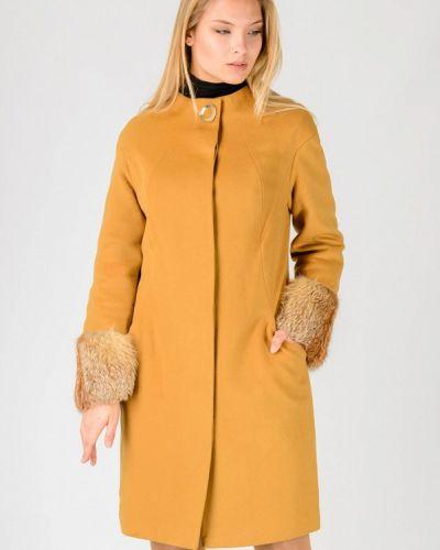 Желтое зимнее пальто Raslov