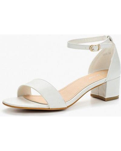 Белые босоножки на каблуке Style Shoes
