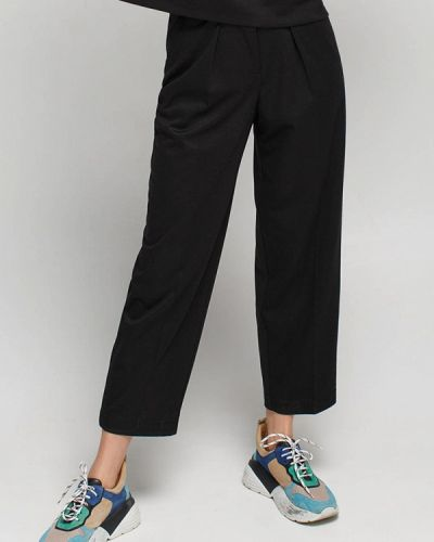 Черные брюки Musthave