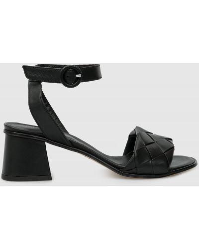 Кожаные босоножки - черные Laura Bellariva