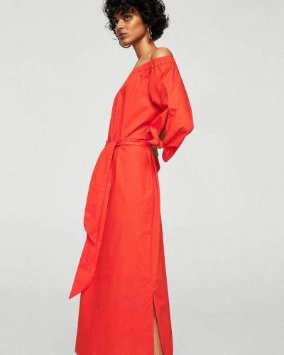 Красное платье с открытыми плечами Mango
